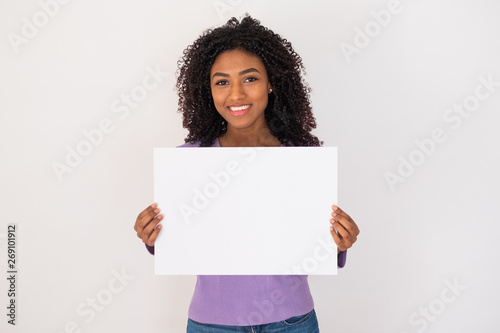 Photo  Studio portrait of a young black girl