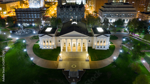 Fotografie, Obraz Aerial View Virginia State Capital Building Downtown Urban Center Richmond