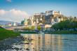 Die Stadt Salzburg in Österreich an einem sonnigen Tag