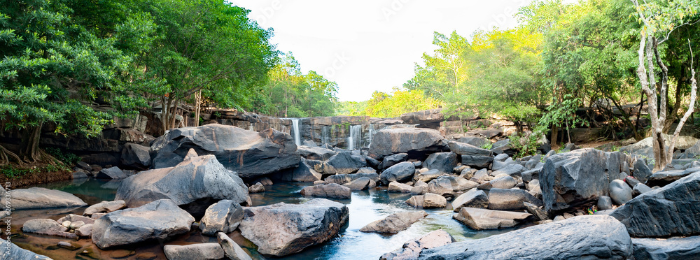 Fototapeta Namtok Tat Ton Popular summer destinations and is the best waterfall in Chaiyaphum, Thailand.Tat Ton National Park.Waterfalls with natural stone view, people come to travel in the summer a lot.