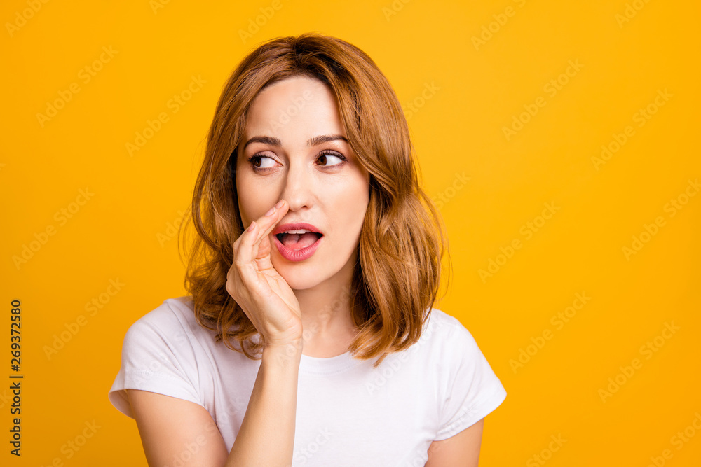 Fototapety, obrazy: Close up photo beautiful amazing she her foxy lady hold arm hand talking tell speak say secrecy information news novelty not loud chatterbox wear casual white t-shirt isolated yellow background