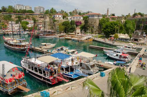 La pose en embrasure Turquie May 1, 2019, Turkey, Antalya, Old town Kaleici