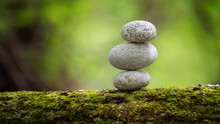 Stone, Zen, Stones, Green, Rock, Stack, Nature, Art, Beauty, Background, White, River, Relaxation, Tranquil, Spa, Heap, Balance, Simplicity, Arrangement, Buddhism, Pebble, Pyramid, Stability, Moss, Ab
