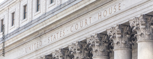 Foto auf Leinwand Texturen United States Court House. Courthouse facade with columns, lower Manhattan New York USA