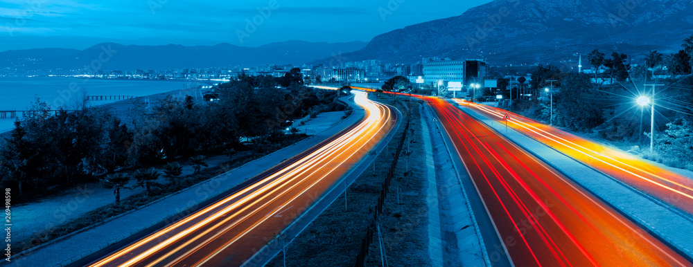 Fototapety, obrazy: Long exposure photo of traffic on the move