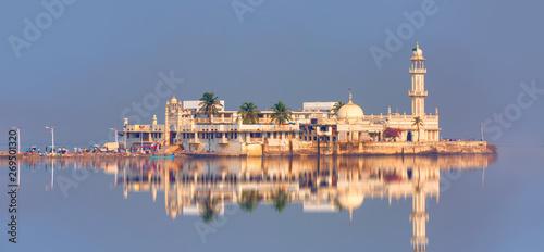 Haji Ali Dargah mosque - Boats at low tide on the shore of the Arabian sea - Mum Wallpaper Mural