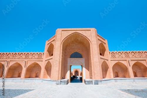 Fotobehang Oude gebouw Historical Abbasi Caravanserai - Isfahan (Esfahan) Iran M