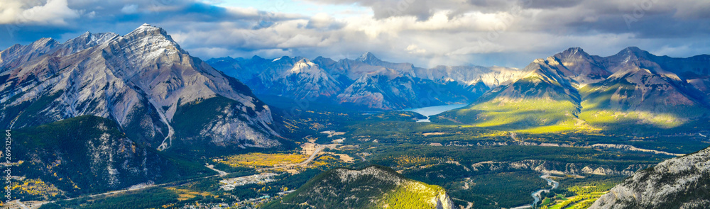 Fototapety, obrazy: Panorama view over the town of Banff and the Canadian Rockies seen from Sulphur Mountain.You can go to the mountaintop with a gondola.