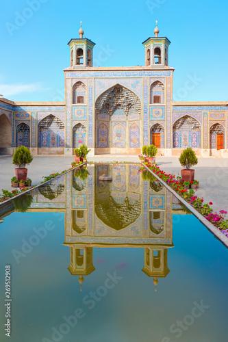 Fototapeta  Courtyard of Nasir Ol-Molk mosque - famous as Pink Mosque