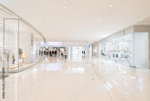 Fotografía  Abstract blur and defocused shopping mall in department store interior for backg
