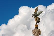 Winged Victory - Altare Della ...