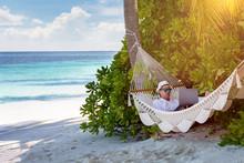 Arbeiten Im Urlaub: Geschäfts...