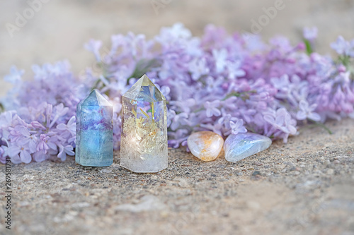 Vászonkép  fluorite, citrine, quartz and lilac flower
