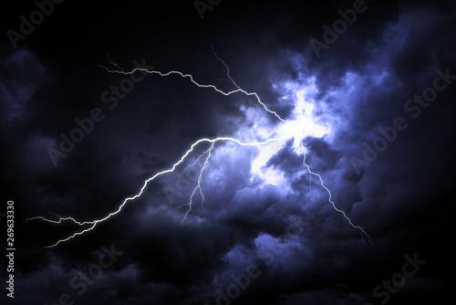 Keuken foto achterwand Onweer Lightning strike on the dark cloudy sky.