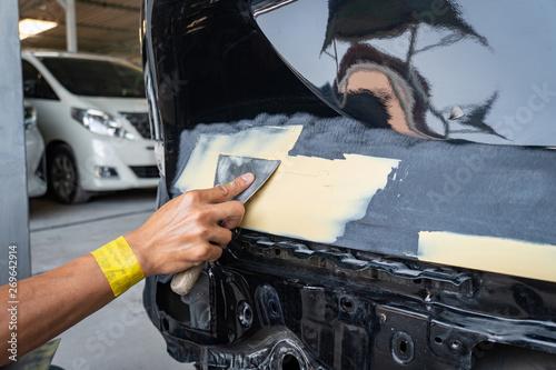 Fotografía  Paint and body repair service center