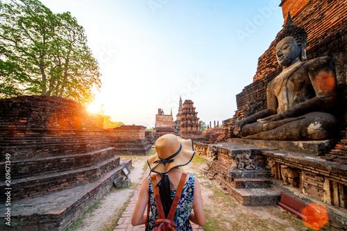 Foto auf Gartenposter Schwarz Sunset and light in Sukhothai historical park