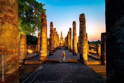 Foto auf AluDibond Schokobraun Sunset and light in Sukhothai historical park