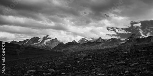 temporale al colle del Nivolet, nel parco nazionale del Gran Paradiso Wallpaper Mural