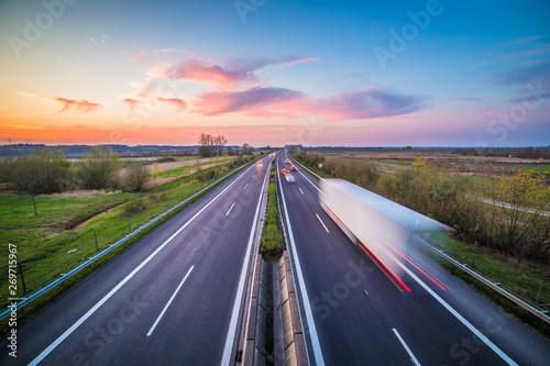 Fotografie, Obraz  Autobahn am Abend