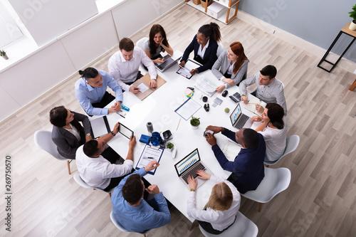 Fotomural  Multi Ethnic Business People Having Business Meeting