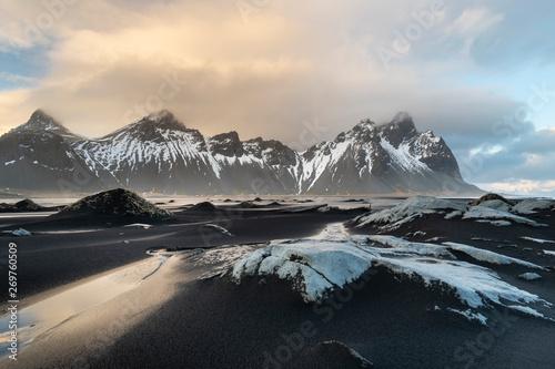 Foto auf Gartenposter Beige Stokksnes cape and Vestrahorn Mountain