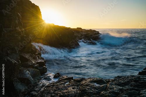 Felsküste von Kiama in New South Wales Australien bei Sonnenaufgang Slika na platnu