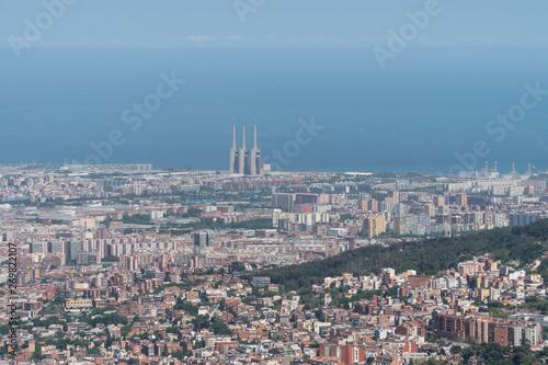 Poster de jardin Paris View of Barcelona from Tibidabo park