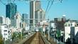 車窓から見る大阪の風景