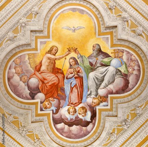 Valokuva OSSUCCIO, ITALY - MAY 8, 2015: The baroque fresco of Coronation of Virgin Mary in church Sacro Monte della Beata Vergine del Soccorso by Salvatore Pozzi di Puria  (1595 – 1681)
