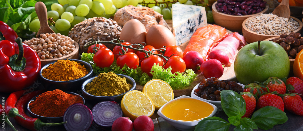 Fototapety, obrazy: Assorted organic food products on the table
