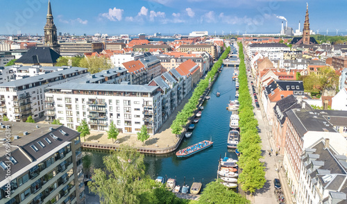 Photo  Beautiful aerial view of Copenhagen skyline from above, Nyhavn historical pier p