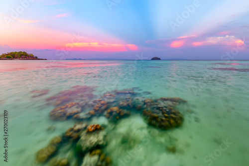 Spoed Foto op Canvas Oceanië Beautiful sunset on white sand beach and Clear water to see the coral reef at Koh Lipe island in Satun,Thailand