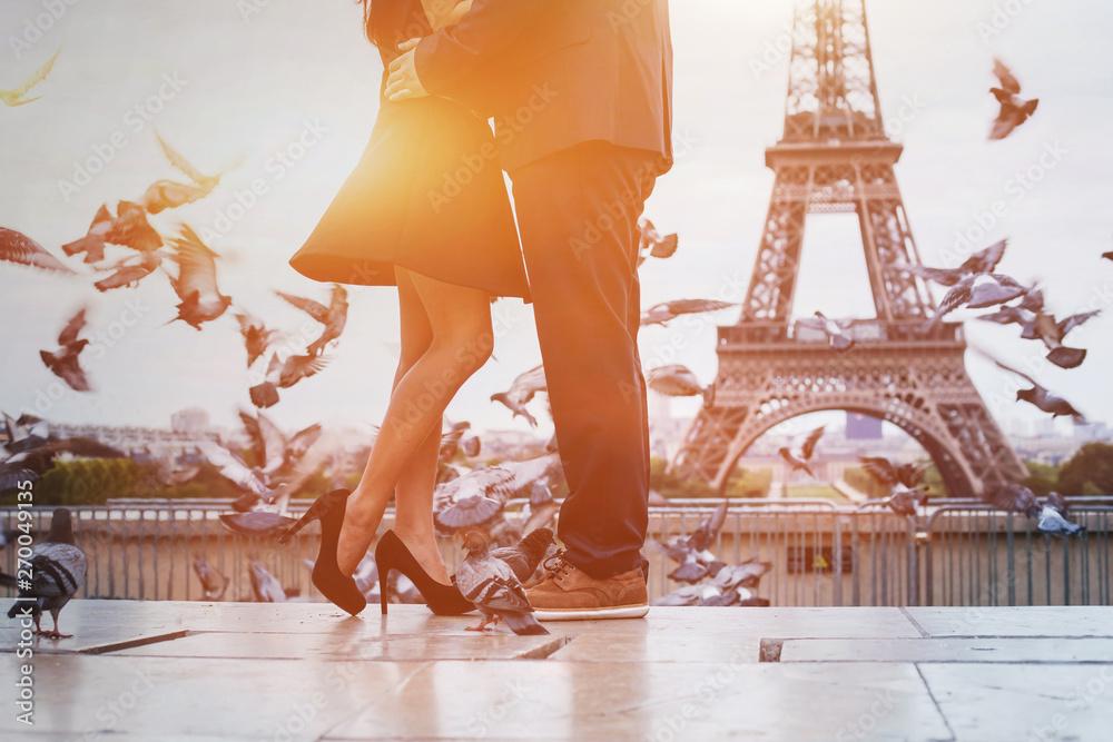 Fototapety, obrazy: travel to Paris, France, romantic couple near Eiffel tower