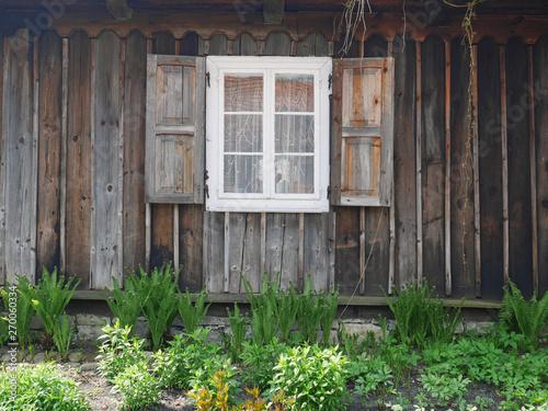 Cuadros en Lienzo Okiennie i stare okno