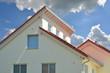 canvas print picture - Modernes Doppel-Pultdach Haus mit Ziegeldach
