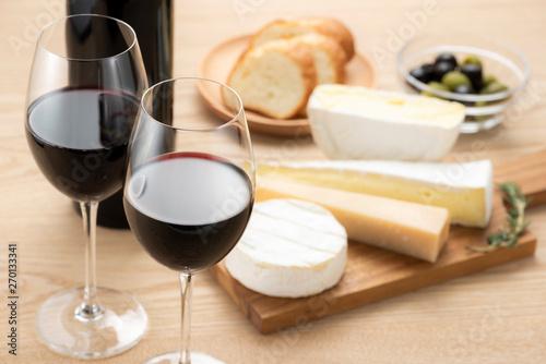 チーズの盛合せとワイン