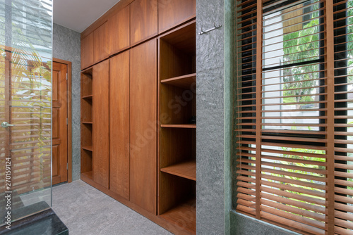 Cuadros en Lienzo wooden built in wardrobe in the house