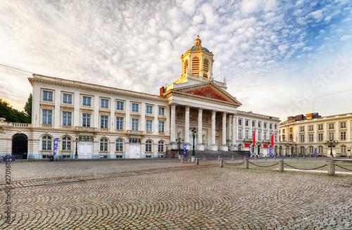 Photo sur Aluminium Bruxelles Brussels - Royal Square with church Saint Jacques sur Coudenberg and monument of Godefroid Van Bouillon.