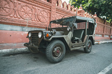 Restored Retro Jeep Willis Dur...