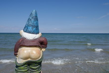 Garden Gnome With Naked Butt M...