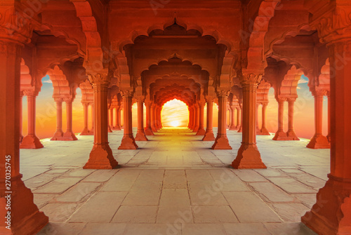 Spoed Foto op Canvas Oude gebouw interiors of Red Fort in Delhi at sunset, India