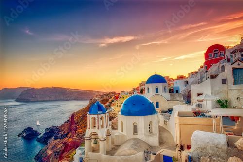 Pinturas sobre lienzo  Oia village in Santorini island at sunset in Greece