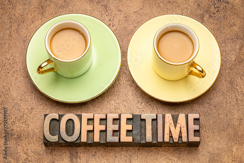 Foto auf Leinwand Akt coffee time word abstract in wood type