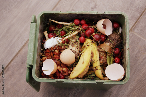 compostage de restes alimentaires de fruits et légumes Canvas-taulu