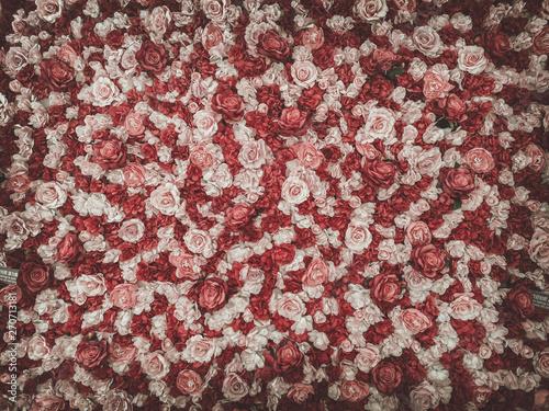 Fotografía  beautiful artificial flowers background, vintage style;