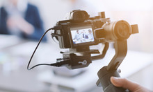 Professional Videomaker Shooti...
