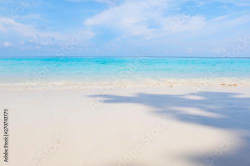 Poster Zee / Oceaan Blury background of Beautiful beach of Similan Islands Andaman sea at Thailand.