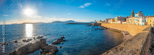 Photo Gorgeous sea font and ramparts, Alghero (L'Alguer), province of Sassari , Sardinia, Italy
