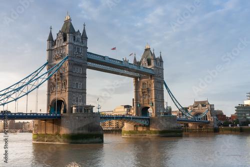 Photo  Tower Bridge in the morning, London, England