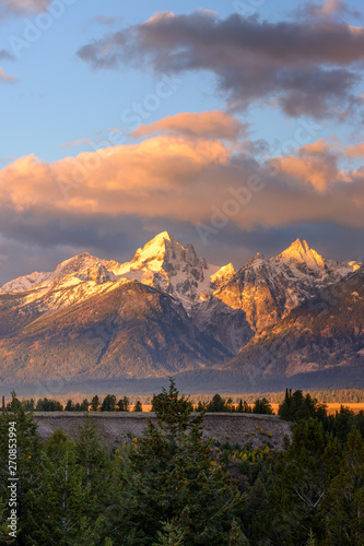 Tablou Canvas Sunrise over the Grand Tetons in Wyoming